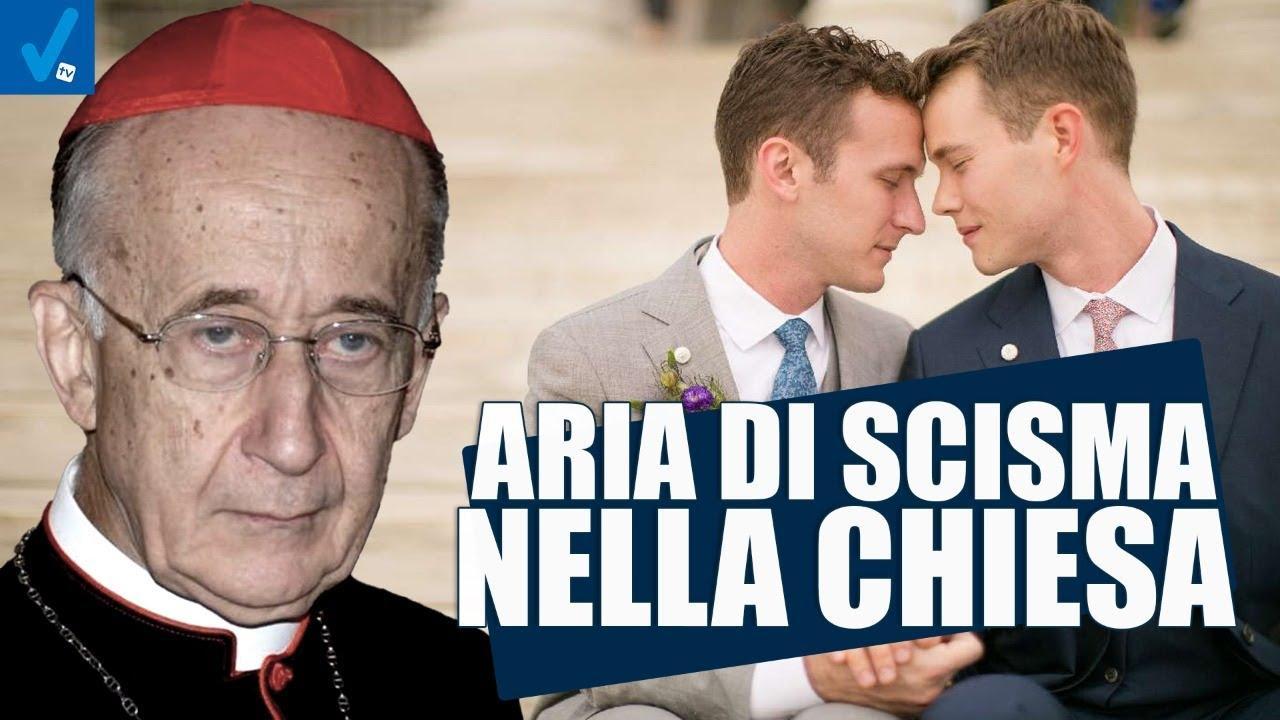Aria-di-scisma-nella-chiesa-Dietro-il-sipario-Talk-Show